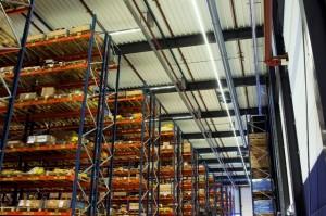 Led schept licht en sfeer in het magazijn • Warehouse Totaal