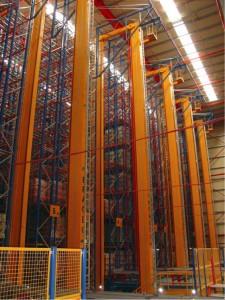 Een hogesnelheid monorail systeem van 29 RGV's (Rail Guided Vehicles) verbindt het interface platform met het hoogbouwmagazijn. De pallets worden daar afgeleverd aan stapelkranen op een hoogte van 8,7 meter