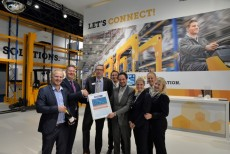 Uitreiking-marketing-award-aan-Jungheinrich