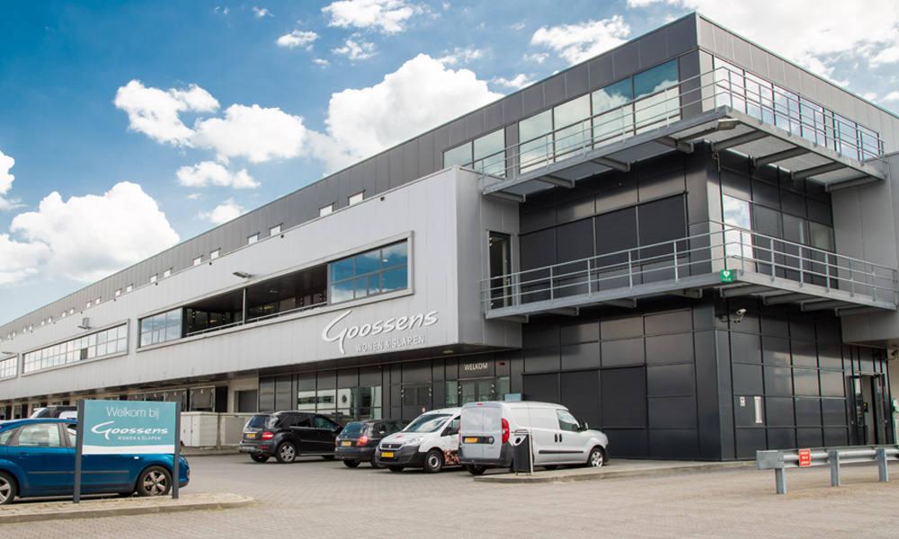 Investeerder koopt distributiecentrum warehouse totaal for Goossens meubelen
